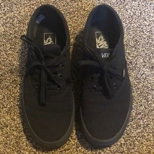 vans lowtop skate shoes